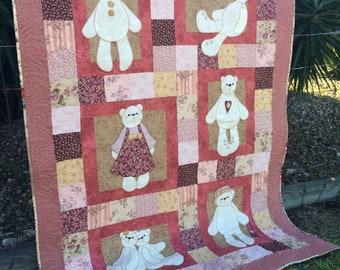 Girls Teddy Bear Quilt