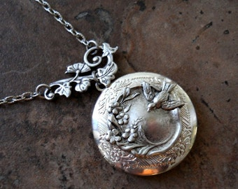 The Sparrow's Garden Locket in Silver
