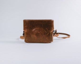 Vintage Small Brown Leather Service Camera Case