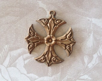 Vintage Brass Stampings/French Maltese Cross Pendant (1pc)Vintage French Findings/Vintage French pendants/Vintage French Brass Stampings#137