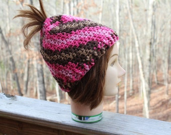 Crochet women hat, ponytail crochet hat, women crochet hat, messy crochet hat, gift mom gift, messy bun hat, gift for women, crochet bun hat