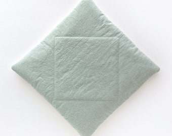 Diamond Cat Mat in Coastal Sage