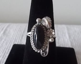 Vintage~Native American~Navajo~Ring~Sterling Silver~Black~Onyx~Gemstone~925~Jewelry~Size~8 3/4~Womans~Fine~Jewelry~Signed~PRETTY RING
