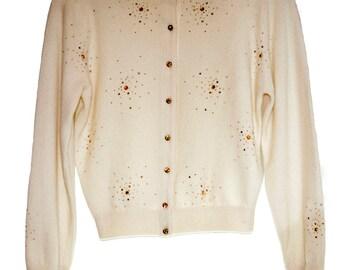 Beautiful 1950s Cream Color CARDIGAN SWEATER.  Wool