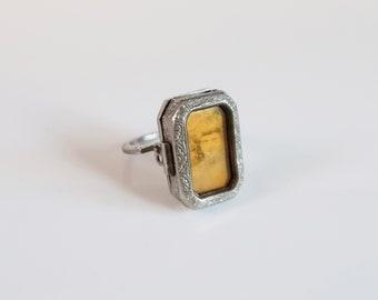 Antique locket ring. Silver locket ring. Vintage engraved locket. Antique locket.