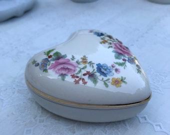 Retro pottery box