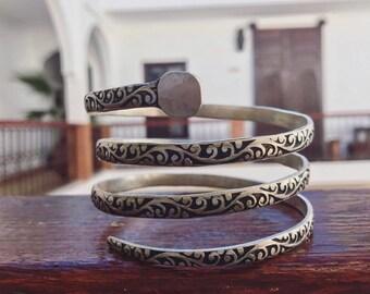 adjustable arm bracelet