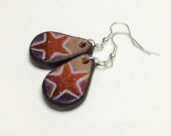 Leather earrings. Star.