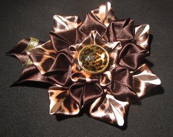 Handmade kanzashi flower 2-in-1 brooch-hairclip, tiger flower