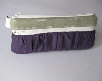 The True Romantic Pouch in olive\/purple