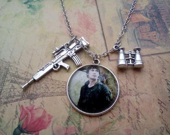 Bellamy Blake necklace, the 100 jewelry, the cw necklace