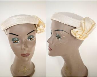 1960s White Pillbox 'Straw' Hat with Satin Flower