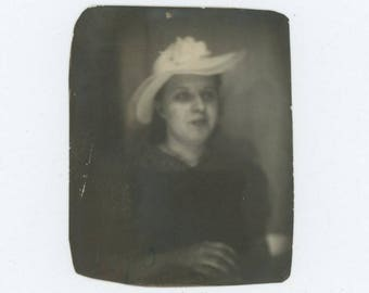 Vintage PhotoBooth Arcade Photo, 1940: Young Woman in Hat (75578)