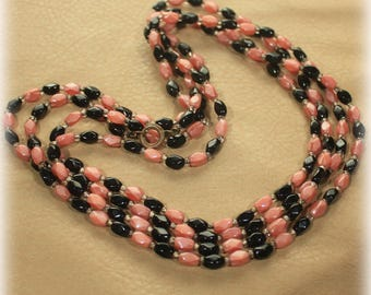 Petite Beaded Long Necklace in Dusty Pink and Black Glass Bead / Flapper Necklace