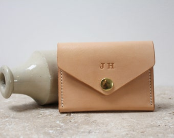 Handmade leather card wallettural veg tan british leather handstitched minimal leather pursewallet great everyday carry card wallet or business card colourmoves