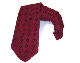 70s Wide Tie Wide Burgundy Tie Wine Color Tie 1970s Eyelet Tie Wide Necktie  Maroon Tie Kipper Tie 1970s Wide Tie Vintage Neckwear