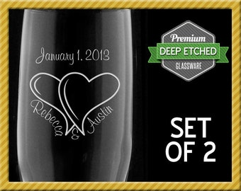 Personalized Toasting Flutes, Wedding Gifts, Interlocked Hearts Champagne Flutes for Bride and Groom, Set of 2