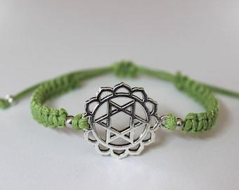 Chakra Bracelet, Heart Chakra, Adjustable Macrame Bracelet, Friendship Bracelet, Minimalist Jewelry, Yoga Meditation Bracelet