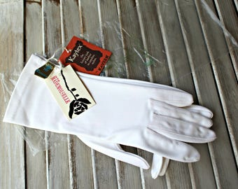 Vintage! Gloves. White. Kaytex. With tags & bag! 1960s. Cute gloves!