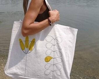Weekend bag end, beach bag, tote bag, shopping bag, travel, yellow, white flower bag