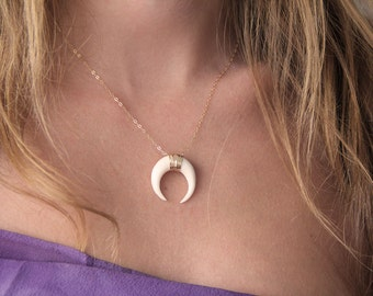 Double Horn Necklace, Gold Horn Necklace, Moon necklace, Moon Crescent Necklace, Horn Necklace,