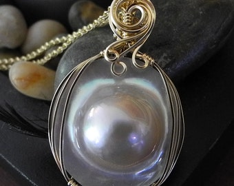 Large  16mm Mabe Pearl Pendant, Bridal Jewelry, Iridescent Rainbow Colors, High Quality Pearl Jewelry, Blister Pearl Necklace for Bride