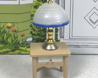 "TOMY LAMP and Bed Side TABLE, 1:18 Lundby Scale, 1970's to 80's, ""Smaller Homes & Garden"", Vintage Dollhouse Accessory"
