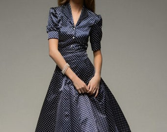 Retro dress brown with blue dots
