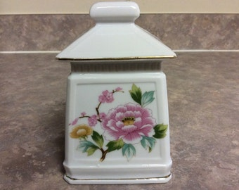 A Pretty IW Rice Porcelain Pagoda Pink Chrysanthemums Portable Lamp Night Light.