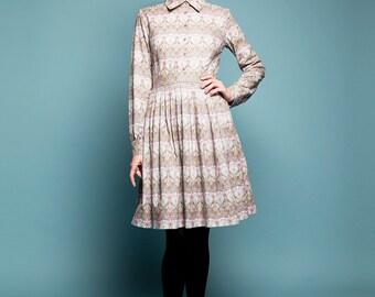 Robe formelle robe à manches longues robe avec poches des années 1950, Plus de robe d'ajustement de la taille et évasée imprimé Liberty robe longueur aux genoux à la main