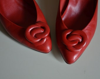 Vintage 1980s 80s Candy Apple Red Leather Heels. Size 7. Bonjour. Valentine's Day.
