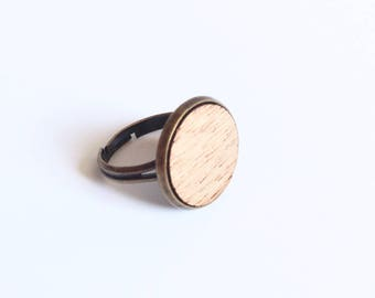 "Ring ""Ema"" mahogany wood - large format"