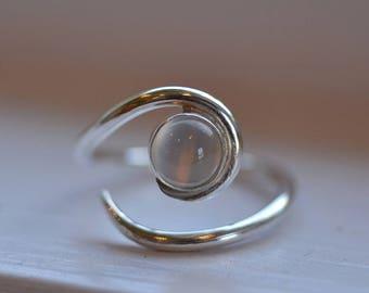 Moonstone Ring. Engagement Ring. Alternative Engagement Ring. Moonstone Solitaire Ring. Gemstone Ring. EcoFriendly. Birthstone Ring 4078