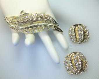 Vintage Polished Gold Tone Clear Rhinestone Leaf Pin Brooch and Matching Round Clip Earrings Set