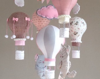 Baby mobile with Hot air balloons and kittens