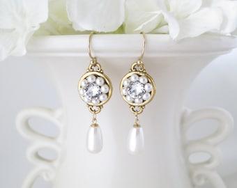 Pearl earrings, Pearl wedding earrings, Gold bridal earrings, Swarovski crystal and pearl teardrop earrings, Pearl teardrop bridal earring