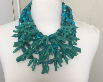 Stunning Gerda Lynggaard Monies Style Modernistic Turquoise Resin Coral Necklace