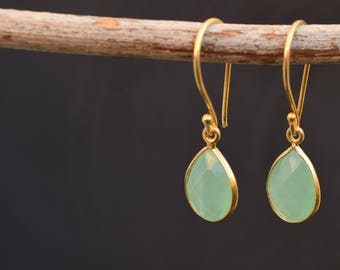 Chalcedony earrings, Green chalcedony, Gemstone earrings, Drop earrings, Gif for her, Gold plated earrings, Dangling earrings
