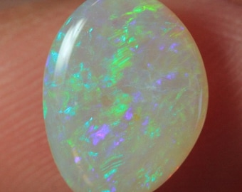Lightninf Ridge Crystal Opal stone