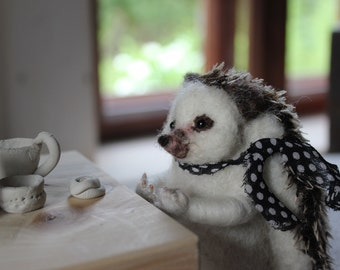 Needle felted Easter hedgehog, felted animal, Miniature soft sculpture, Woodland