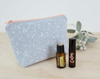 Essential oil bag. Mother's Day oil gift. Roller bottle bag. Oil storage. Essential oil travel bag. Oil zipper pouch. Padded oil pouch