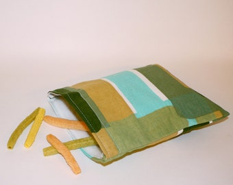 Reusable Sandwich Size Bag Made with Recycled Fabric.