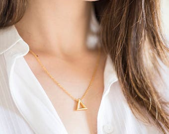 Raw Custom Triangle Necklace Necklace Geometric Necklace Gold Necklace Dainty Necklace Layered Necklace Minimal Pendant Girlfriend Gift