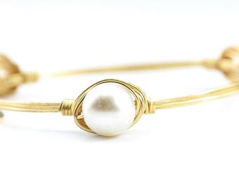 Pearl Dainty Wire Wrapped Bangle, Wire Wrapped Bracelet, Wire Bangle