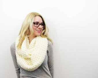 cream infinity scarf. crochet ivory scarf. oversized circle scarf. knit infinity scarf. off white wool scarf. chunky crochet scarf.