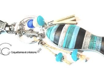 bijoux de sac poisson sardines bleu bois usé, gri gri de sac vacances  fête des mères fait main