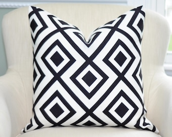 David Hicks La Fiorentina in Domino Pillow Cover  -- Jet Black / White -- Zipper Closure