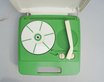 Groovy GE portable record player - two speeds - 1960s - great design