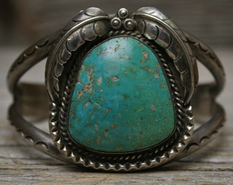 Stunning Navajo Native American Old Pawn Turquoise Sterling Silver Cuff Bracelet