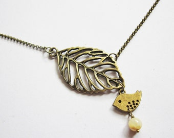bird leaf necklace, bird necklace, antique brass necklace, sparrow necklace, animal necklace bird jewelry leaf pendant, love bird necklace